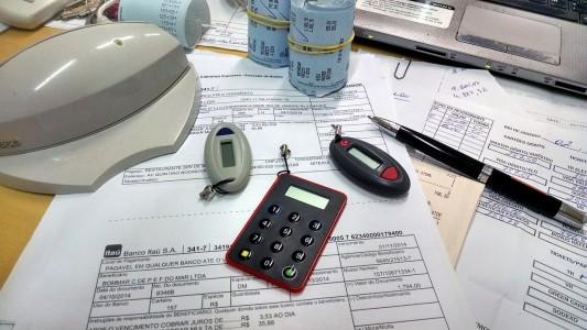 doing-business-desk